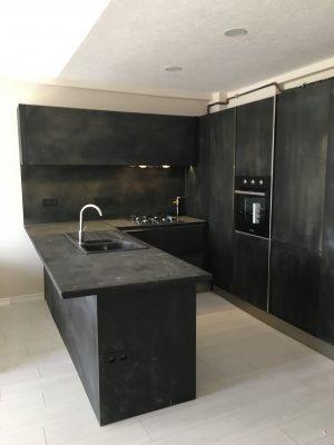 beton dokulu çimento kapaklı mutfak dolabı modelleri en yeni mutfak trendleri